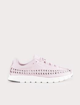 NIKE Mayfly Woven Sneaker