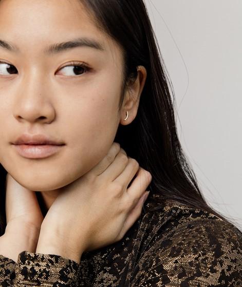 JUKSEREI Curved Ohrringe gold