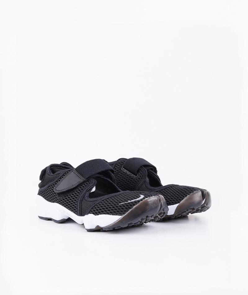 NIKE Air Rift Sneaker
