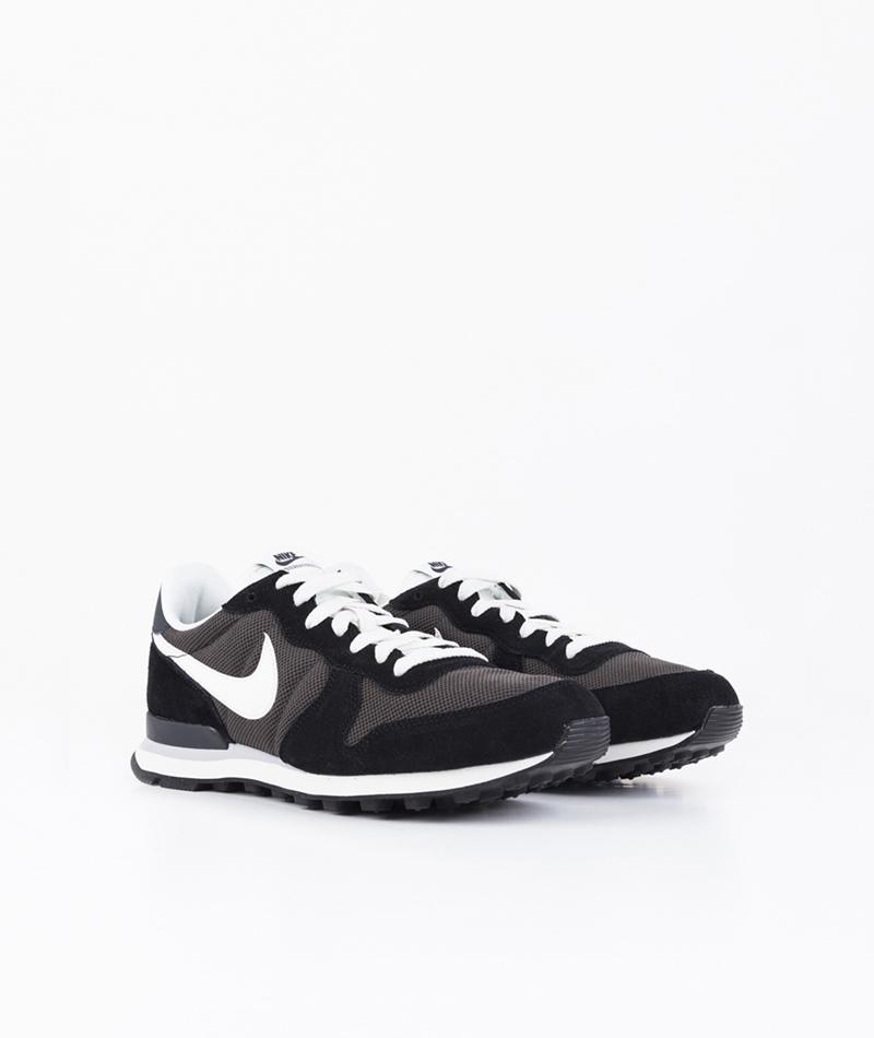 NIKE Internationalist Sneaker black