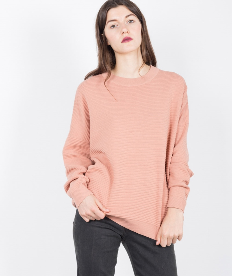 ADPT. Curl Boxie Pullover caf� cr�me