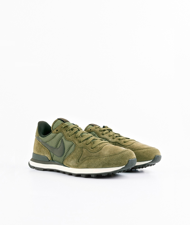 NIKE Internationalist Sneaker olv flk