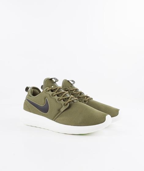 NIKE Roshe Two Sneaker grün