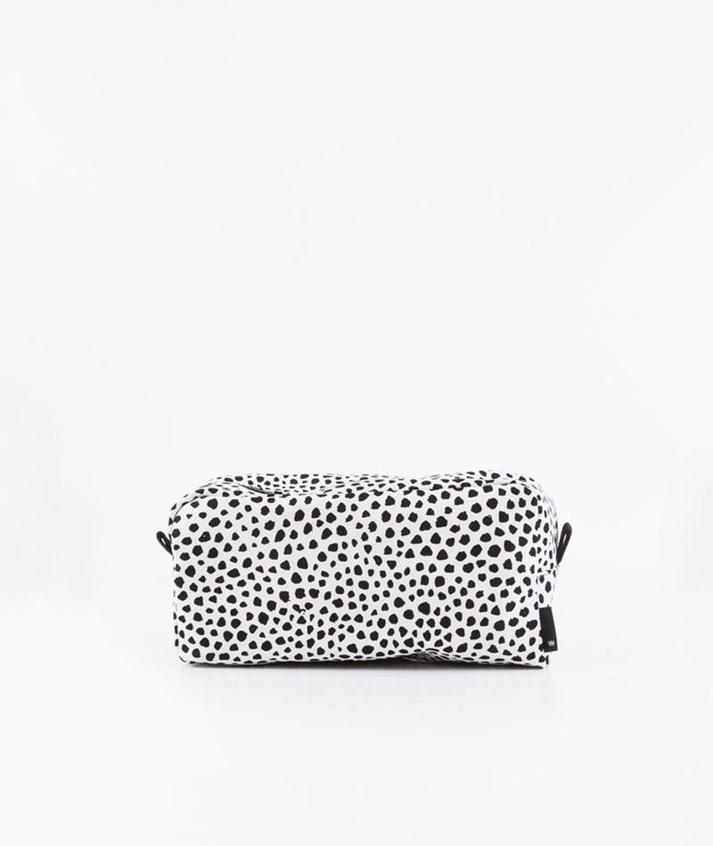 HAY Dot Wash Bag white