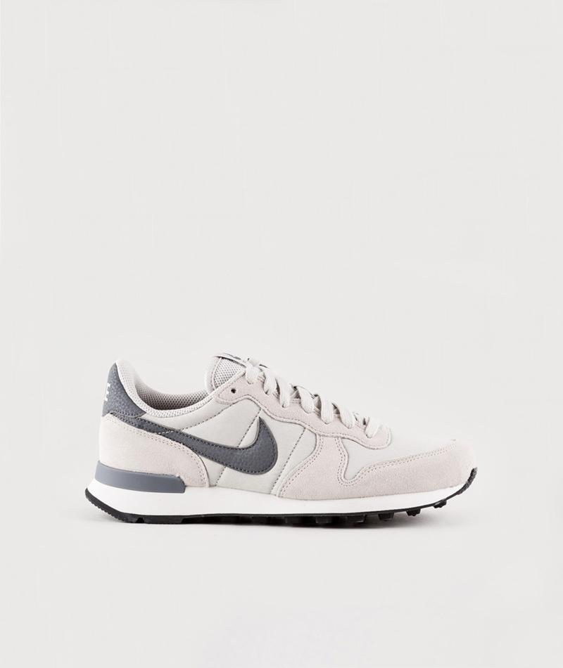 NIKE WMNS Internationalist Sneaker