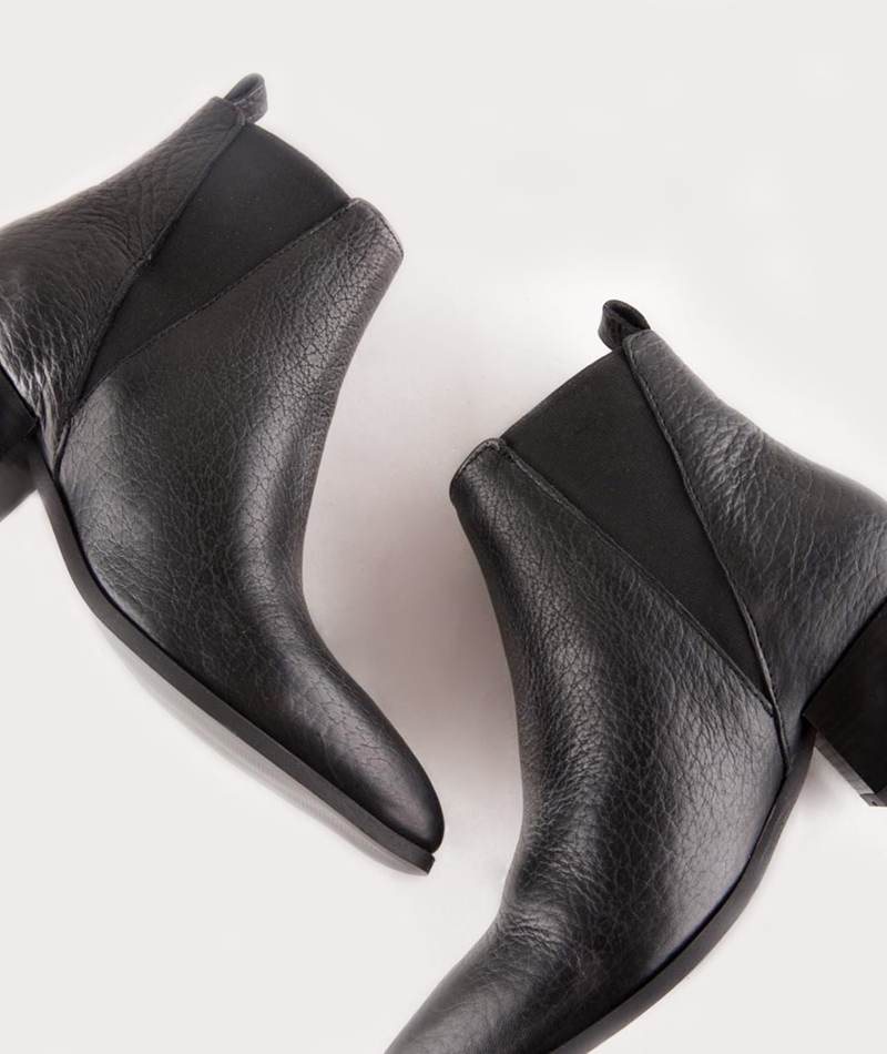 PAVEMENT Karen Ankle Boots structured
