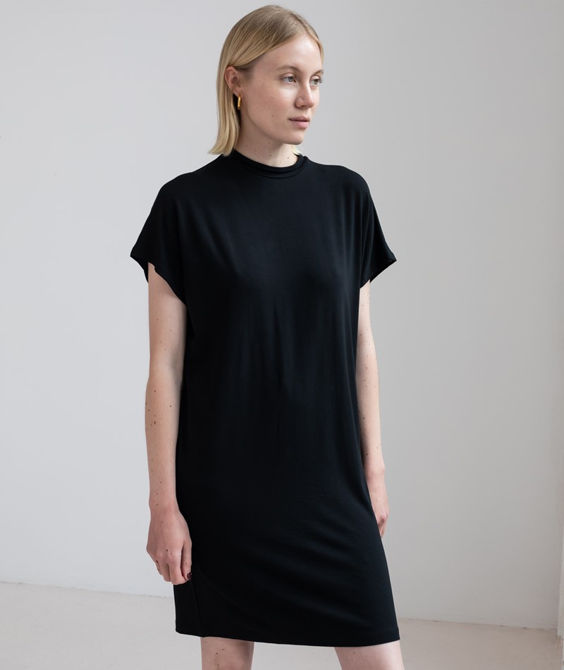 MBYM Linea Gogreen Luxe Kleid black