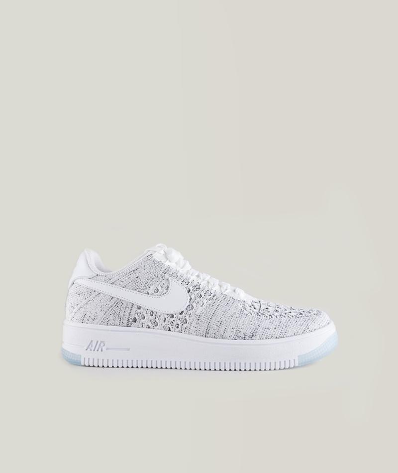 NIKE Flyknit low Sneaker white-black