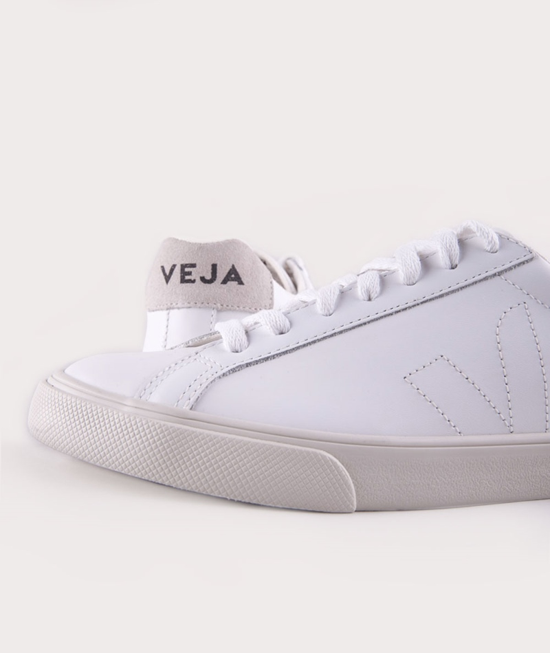 VEJA Esplar Low Leather Sneaker extra wh