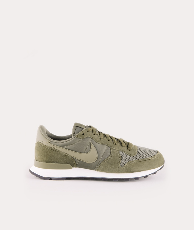 NIKE Internationalist Sneaker olive