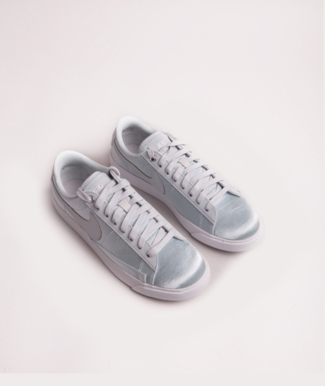 NIKE Blazer Low SE Sneaker pure platinum