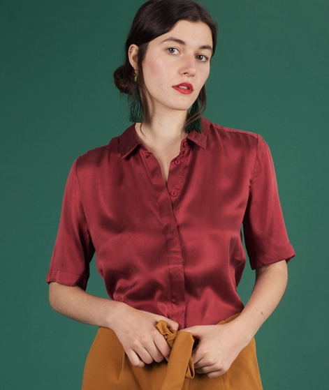 POP COPENHAGEN Sand-washed Silk Bluse short burgundy