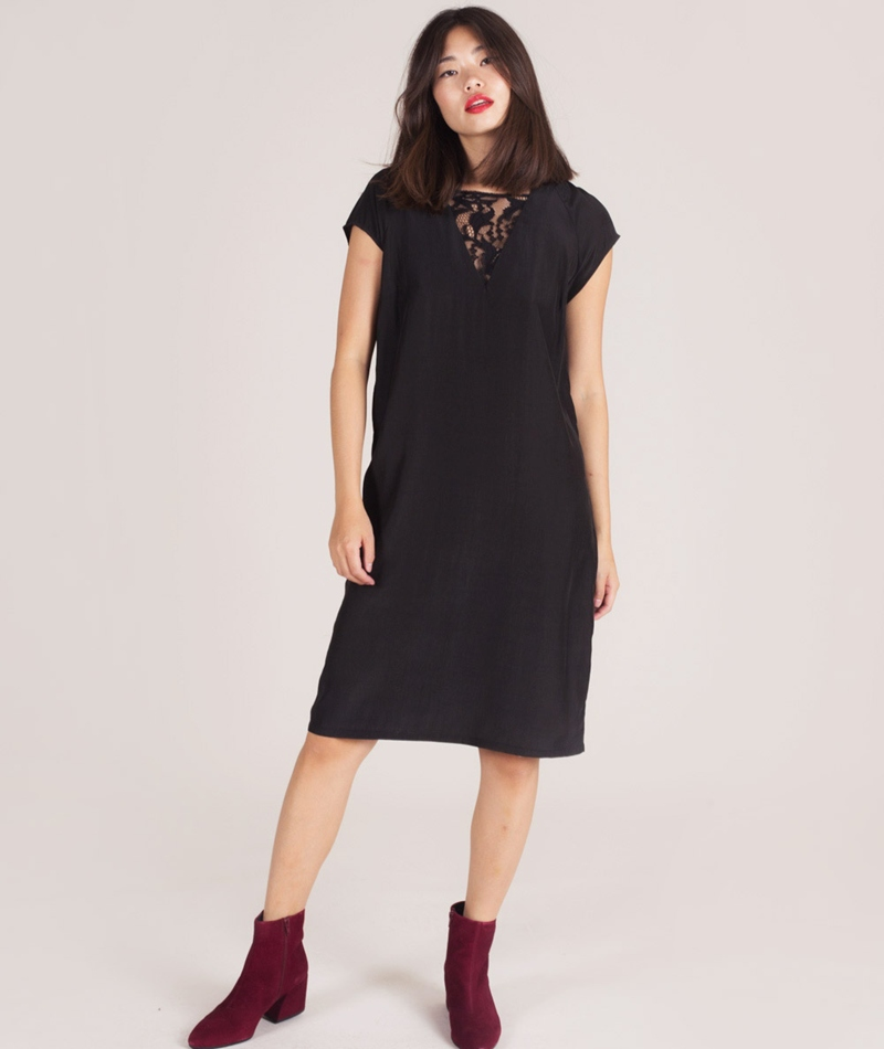POP COPENHAGEN Raglan with Lace Kleid