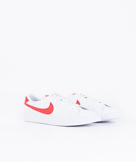 NIKE Tennis Classic Sneaker white/university red