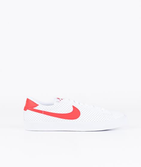 NIKE Tennis Classic Sneaker white/university red
