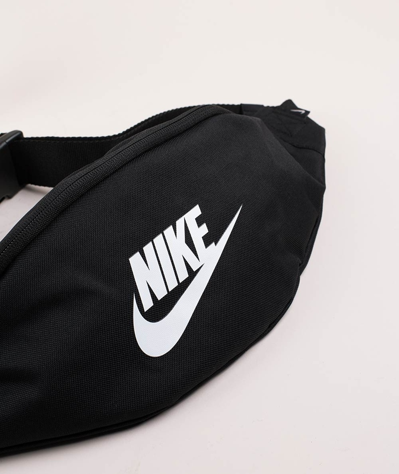 NIKE Sportswear Heritage Bauchtasche bla