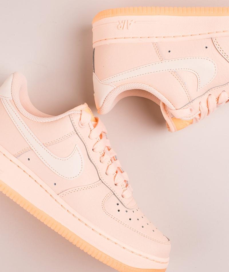 NIKE Air Force 1 07 Essential Sneaker cr