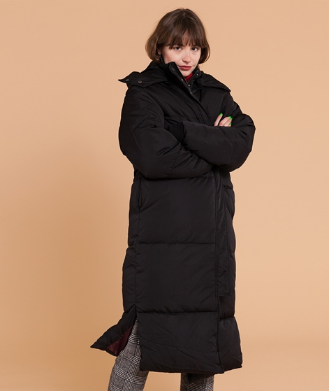 NATIVE YOUTH Liv Puffer Mantel black