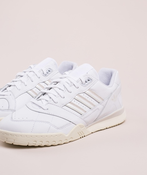 ADIDAS A.R. Trainer Sneaker ftwr white/raw white