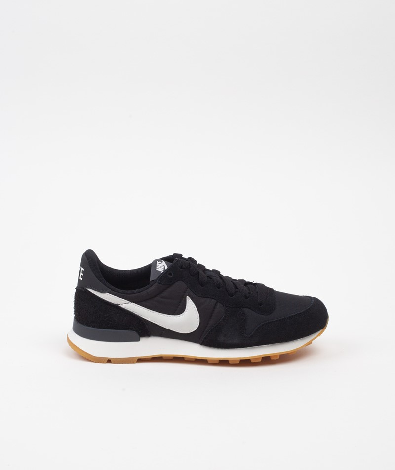 NIKE Internationalist Sneaker Black/White