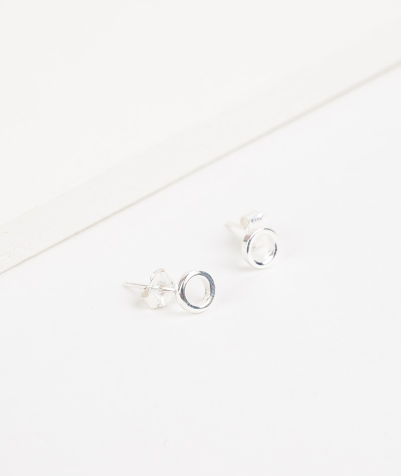 JUKSEREI Tilda Ear Stud Ohrring silver