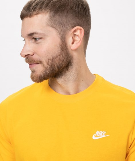 NIKE Sportswear Club T-Shirt gold