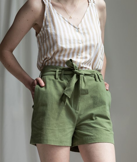 ANOTHER LABEL Baize Shorts loden green