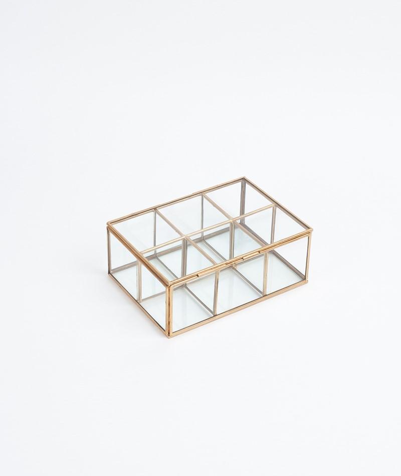 MADAM STOLTZ Glassbox with rooms