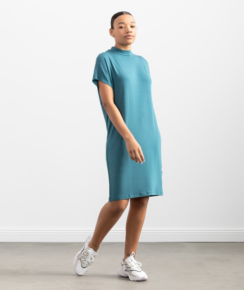 MBYM Linea Gogreen Luxe Kleid blau