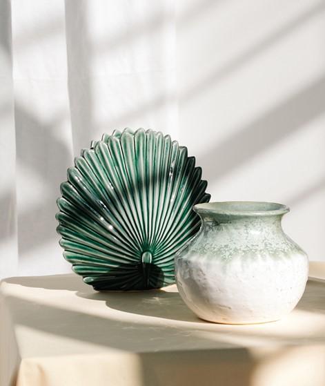 MADAM STOLTZ Stoneware Leaf Vase grün