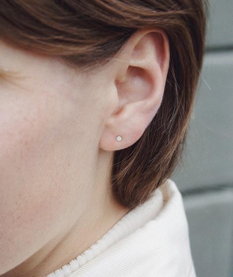 JUKSEREI Punkt Ear Stud silber