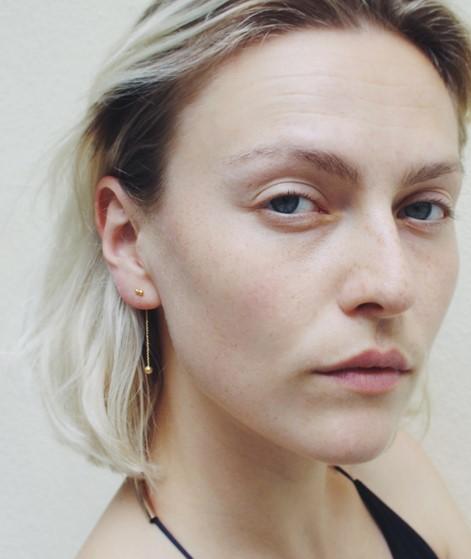 JUKSEREI Pollen Ear Stud gold