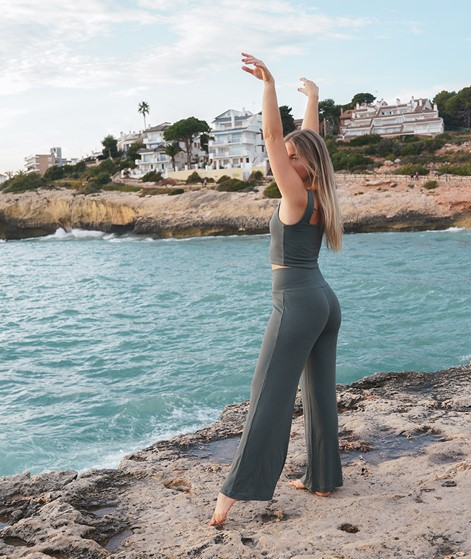 PREORDER! KDG x Charlotte Weise Yoga Hose aus LENZING™ ECOVERO™