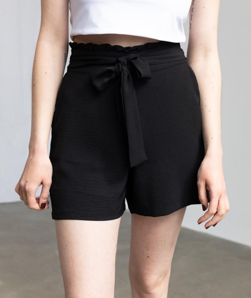 VILA VIRasha Shorts schwarz