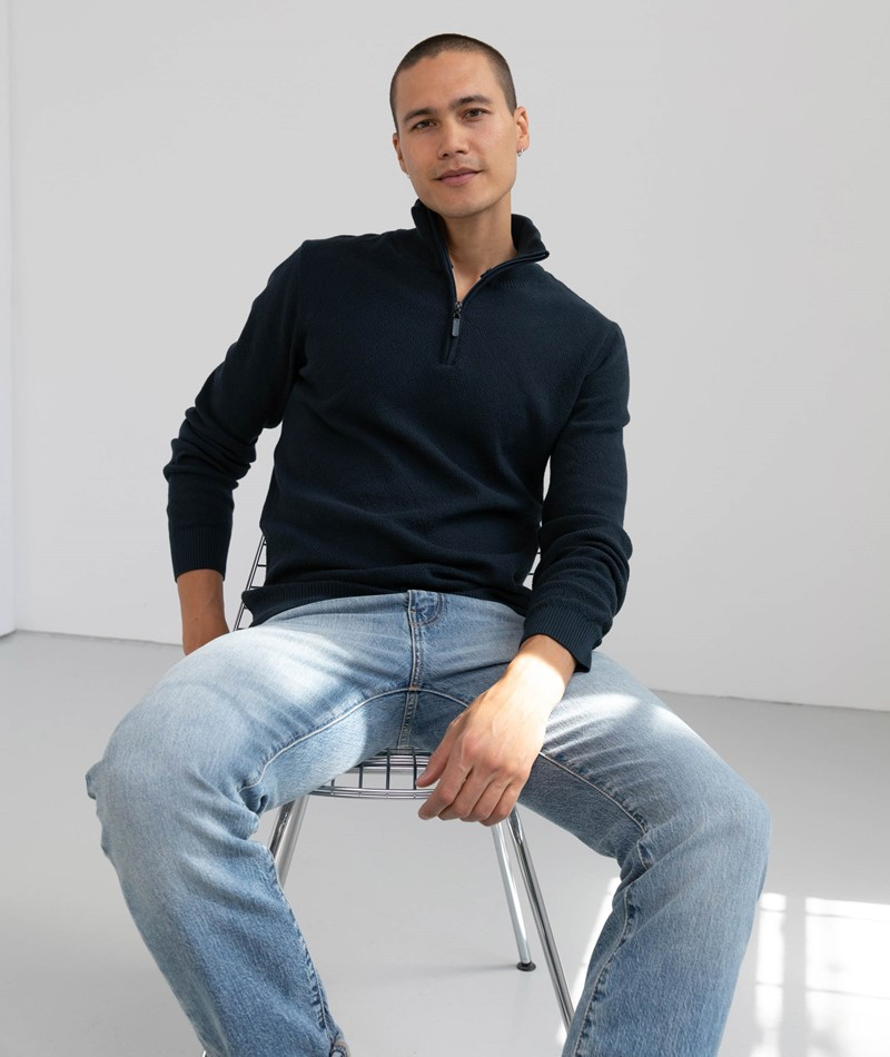 BY GARMENT MAKERS Theo Pullover blau